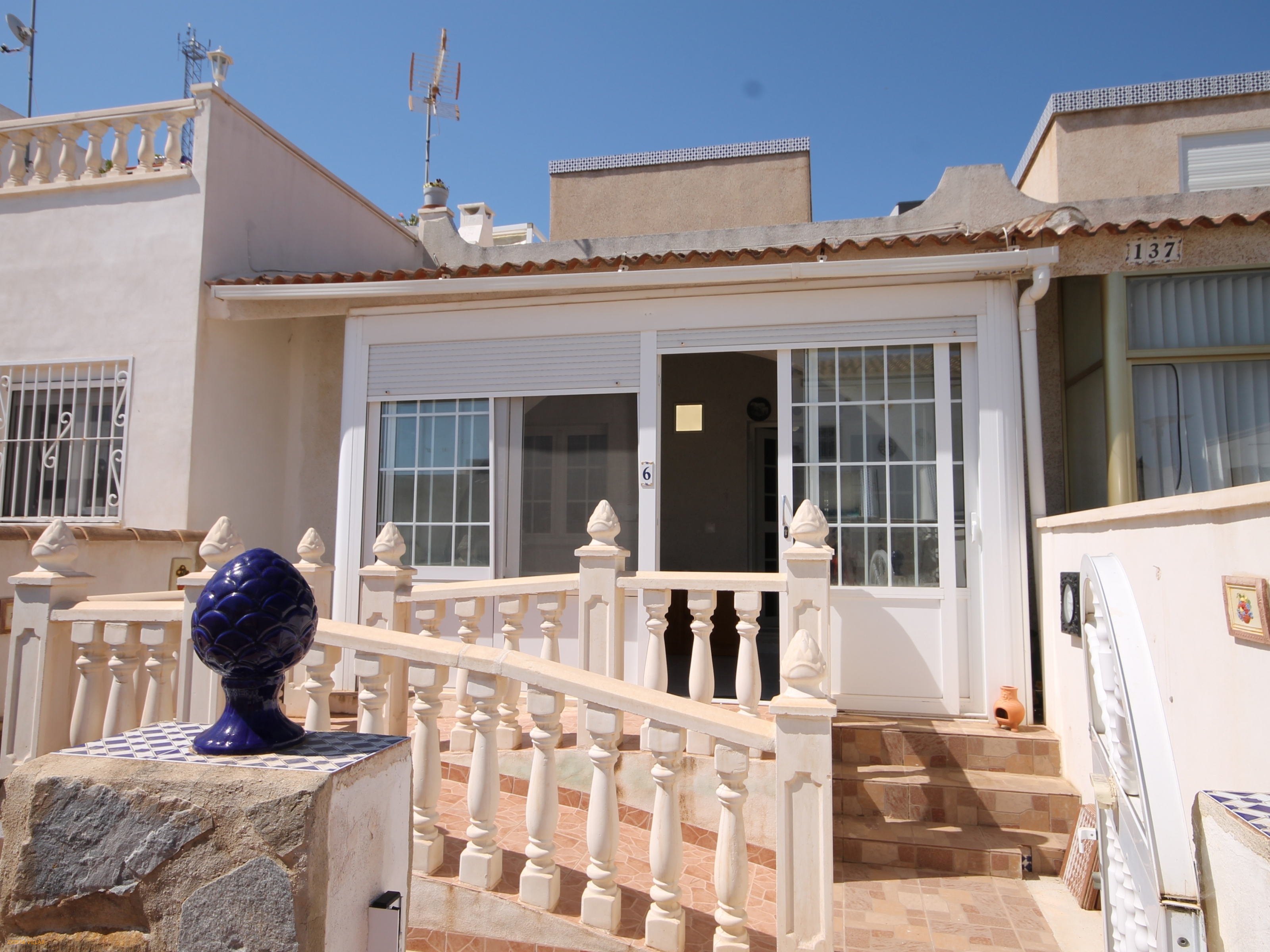 2 Bed terrace house with views