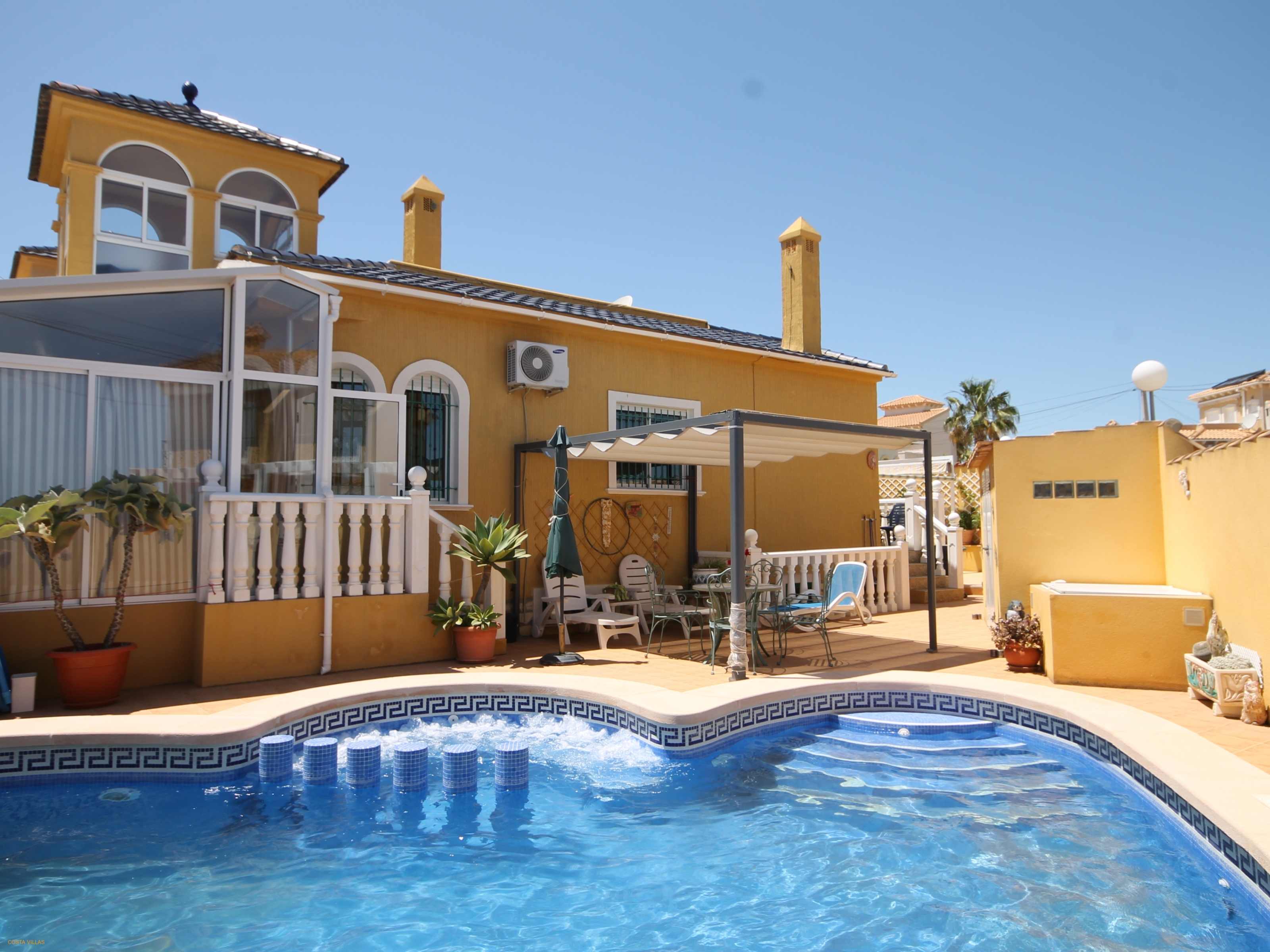2 Bed, 2 Bath detached villa with pool and basement