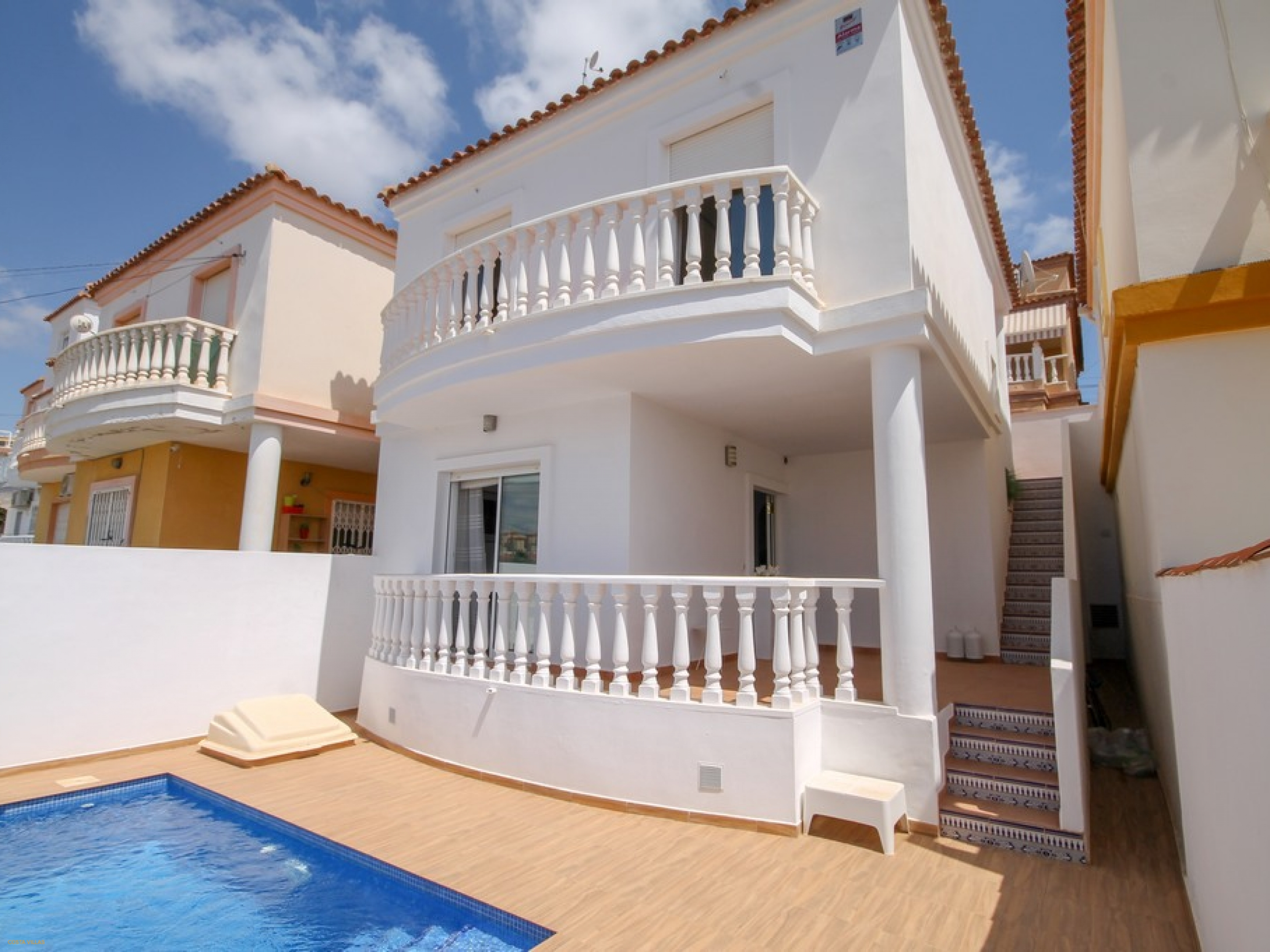 Renovated detached villa with plunge pool