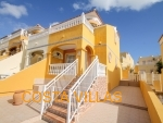 CV0555, Semi detached property with direct access to a communal pool