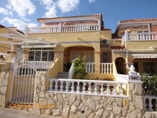 South facing 2 bedroom house in Villamartin