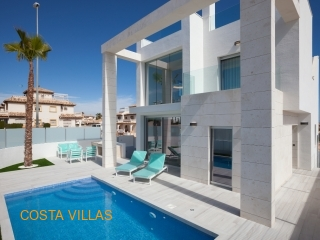 NEW BUILD. 3 bed, 3 bath villas with private pool
