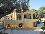 CV0385, Spacious 5 bed villa on large plot