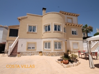 Fantastic 7 bed, 5 bath villa with established B&B