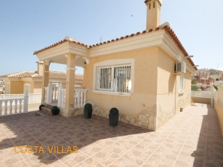 2 Bedroom detached villa with communal pools